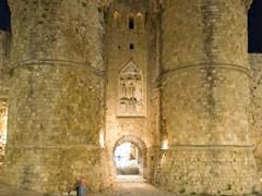 Замок рыцарей на острове Родос, Греция