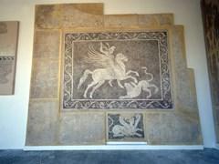 Греческие мозаики на стене в археологического музея Родоса в Греции.