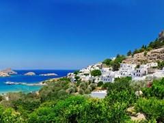 Вид на залив Lindou Линдос острова Родос, Греция