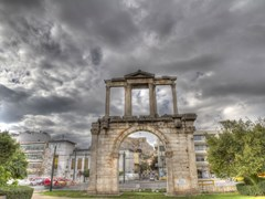 17_high-dynamic-photo-of-Adrianou-Gate-in-Athens