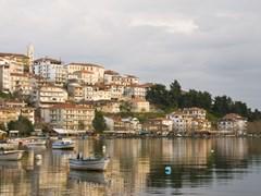 07_Cityscape-of-Kastoria-in-Greece