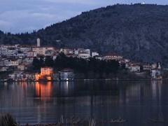 09_Cityscape-of-Kastoria-with-Kastoria-lake-during-twilight.