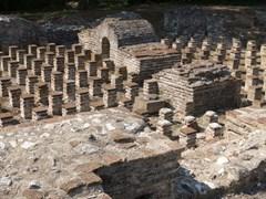 09_Public-baths-in-Dion,-Greece