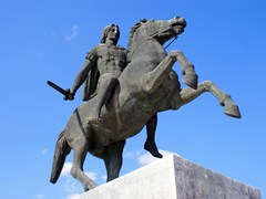 03_The-monument-to-Alexander-the-Great-in-Thessaloniki,-Greece