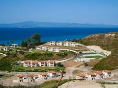 Small-coastal-town.-Blue-sea-and-sky.-Greece,-Kassandra,-Halkidiki.