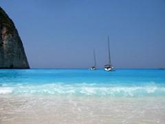 Пляж и парусные лодки Греция, остров Закинф