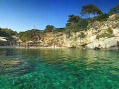 Пляж на островке Камея, достопримечательность Закинфа, Греция