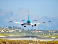 Посадка самолета на аэродроме острова Корфу
