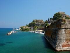 Массивные укрепления в Старой крепости Корфу