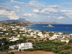 Греция. Остров Кос. Залив Кефалос с острова Кастри