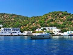 Роскошная яхта у побережья острова Кос