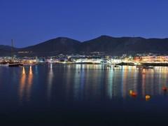 17_Hersonissos-,night-view-of-Crete-harbor-(2)
