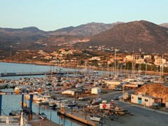 34_Ag-Nikolaos-The-crowded-marina-at-Aghios-Nikolaos,-Crete,-at-dawn.
