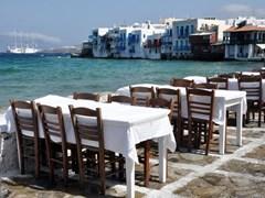 20_Small-tavern-in-Small-Venice-of-Mykonos-island
