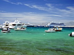 28_Ships-and-boats-in-Mykonos