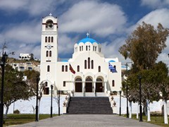 32_Traditional-church-at-Emborio-village-of-Santorini-island-in-Greece