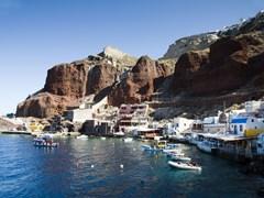39_Santorini-amoudi-bay-the-fishing-harbor-port-built-into-the-caldera-on-the-greek-cyclades-island-of-santorini-town-of-oia-ia-on-the-mediterranean-sea