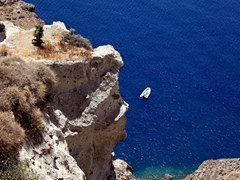 42_Cliff-and-sea.-Above-view.-Oia,-Santorini-Island,-Cyclades-Islands,-Aegean-Sea,-Greece.