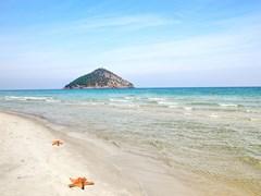 06_Paradise-beach-in-Greek-island