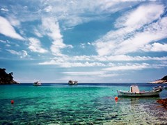 18_Small-boat-harbor-on-a-greece-island