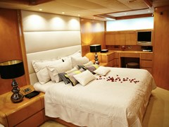 Istion_-Yachting_ProjectSteel-gd