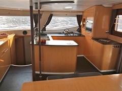 Istion_Yachting_Salina48_j