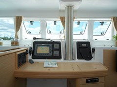 Istion-Yachting-Lagoon500-j