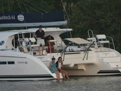 Istion_Yachting_Nautitech44-g