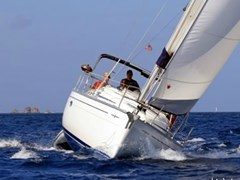 Istion_Yachting_Bavaria33-a