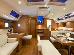 Istion_Yachting_Oceanis_54-b.jpg