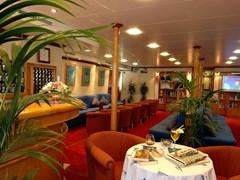Panorama II  Reception and lounge area