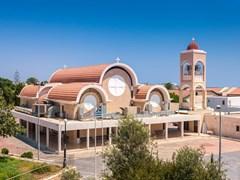 Греческая церковь в гавани Айя-Напы