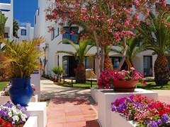 Отель в греческом стиле в Протарасе