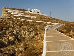 Церковь на греческом острове Фолегандрос