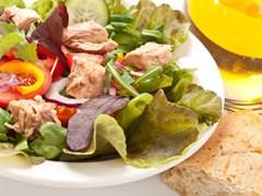 Тоносалата - рибний салат