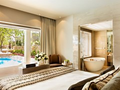 Sani_Asterias_3Bedroom_Family_Suite_Private_Pool_02