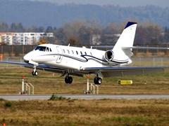 Зліт Cessna Sovereign C-680