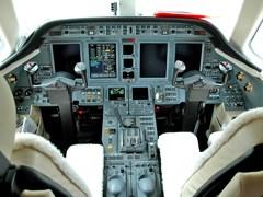 Кабіна пілотів Cessna Sovereign C-680