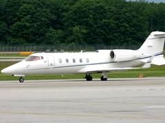 Зліт літака Learjet - 60