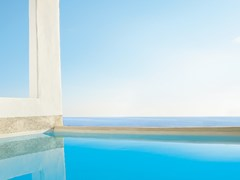 Deep Blu Villa Private Shaded Pool & Outdoor Jacuzzi