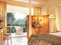 Deluxe Bungalow Suite Side Sea View