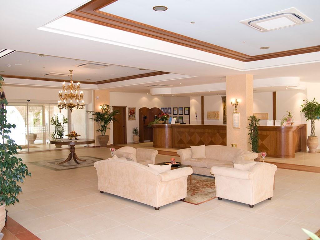 Aegean Melathron Thalasso Spa Hotel - 28
