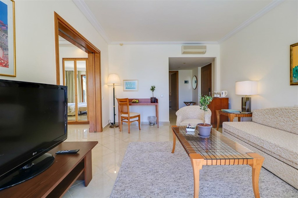 Aegean Melathron Thalasso Spa Hotel - 42