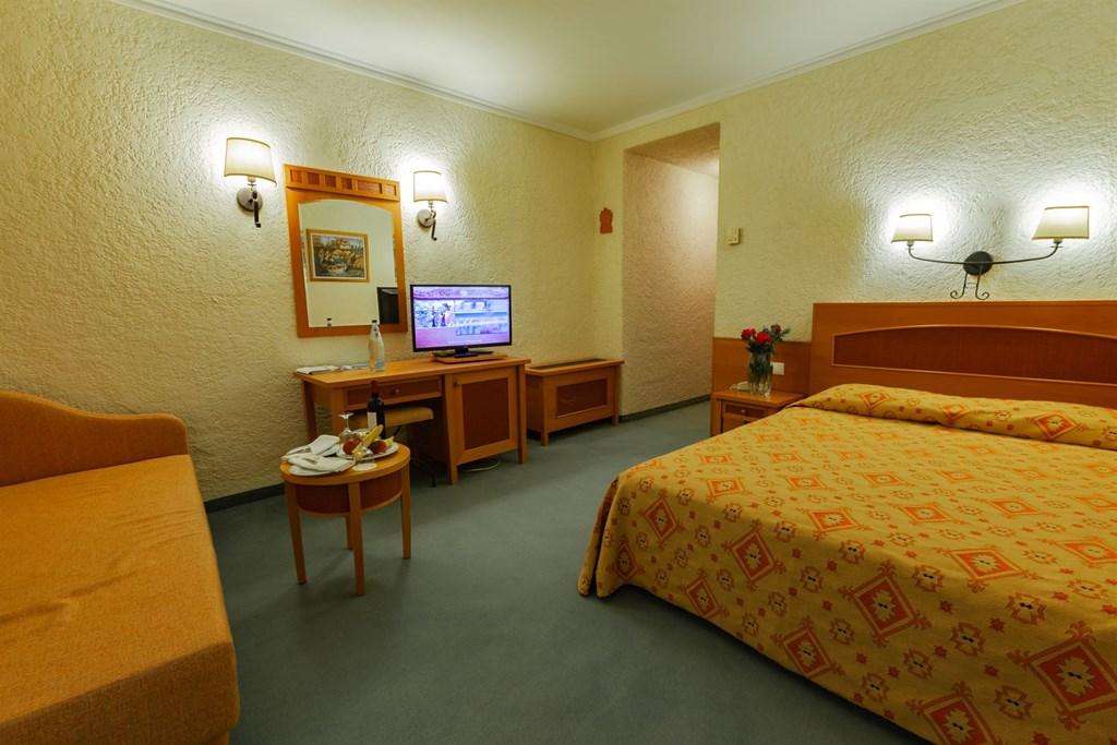 Athos Palace Hotel - 77