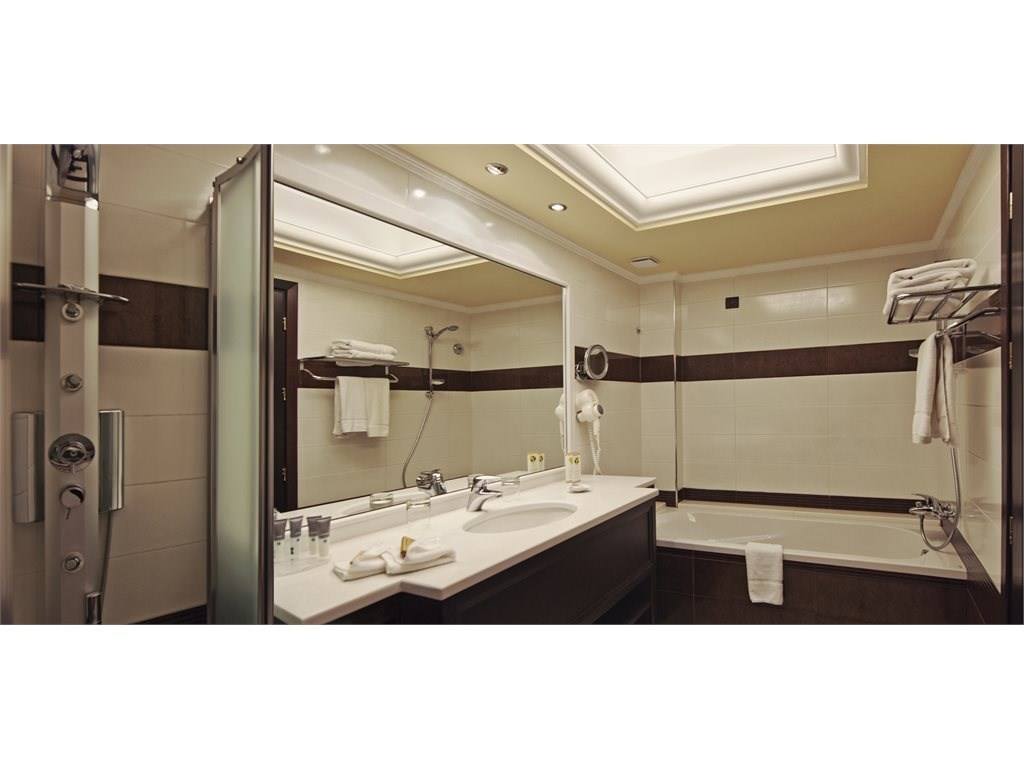 La Marquise Luxury Resort Complex - 31