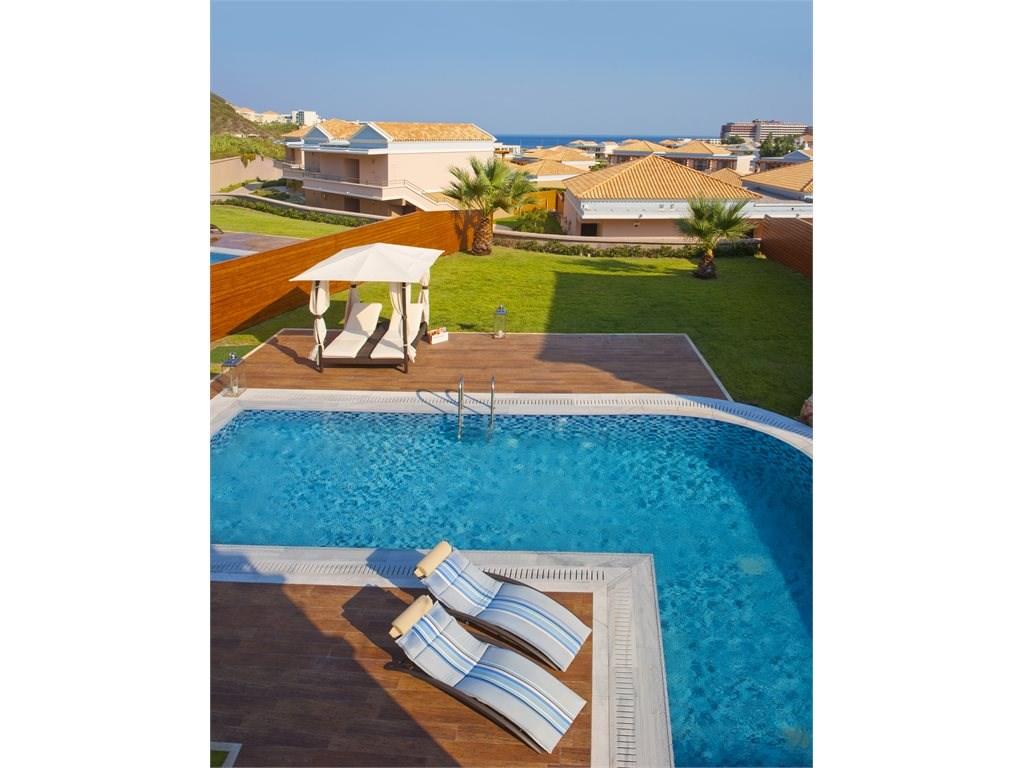 La Marquise Luxury Resort Complex - 22