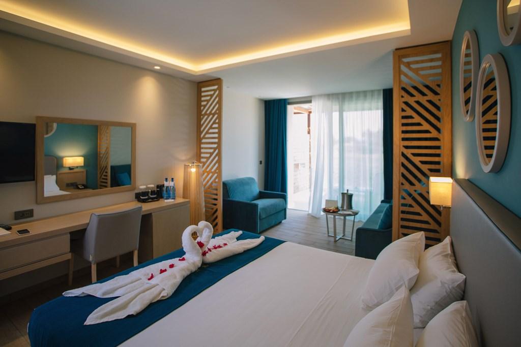 Almyros Beach Resort & Spa - 55