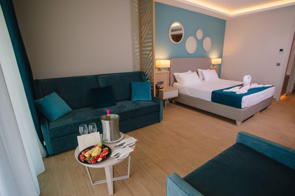 Almyros Beach Resort & Spa - 57