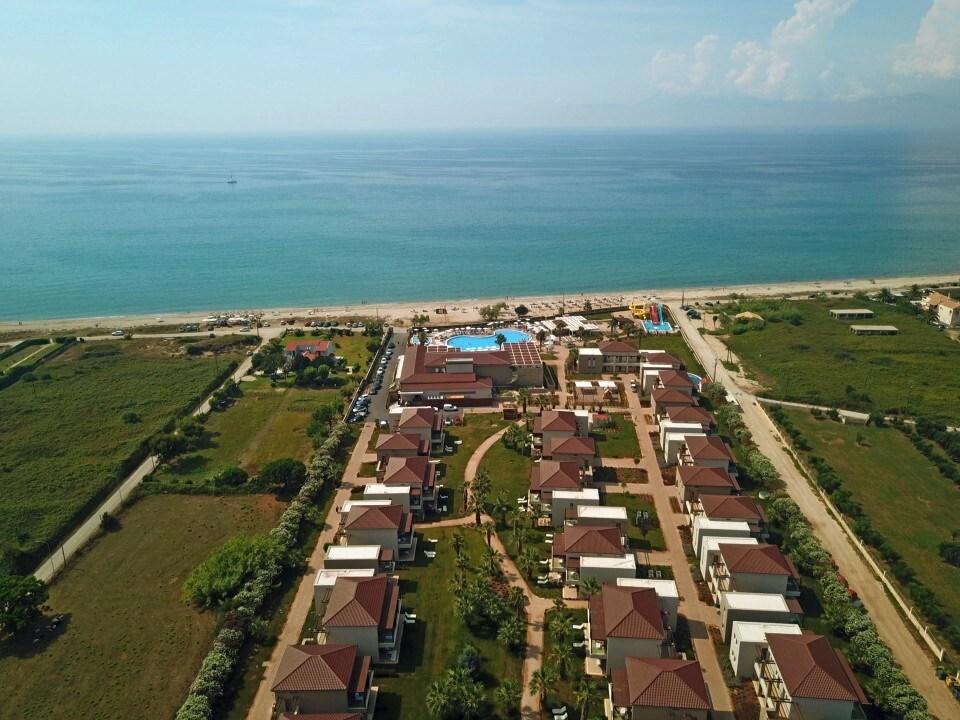 Almyros Beach Resort & Spa - 2