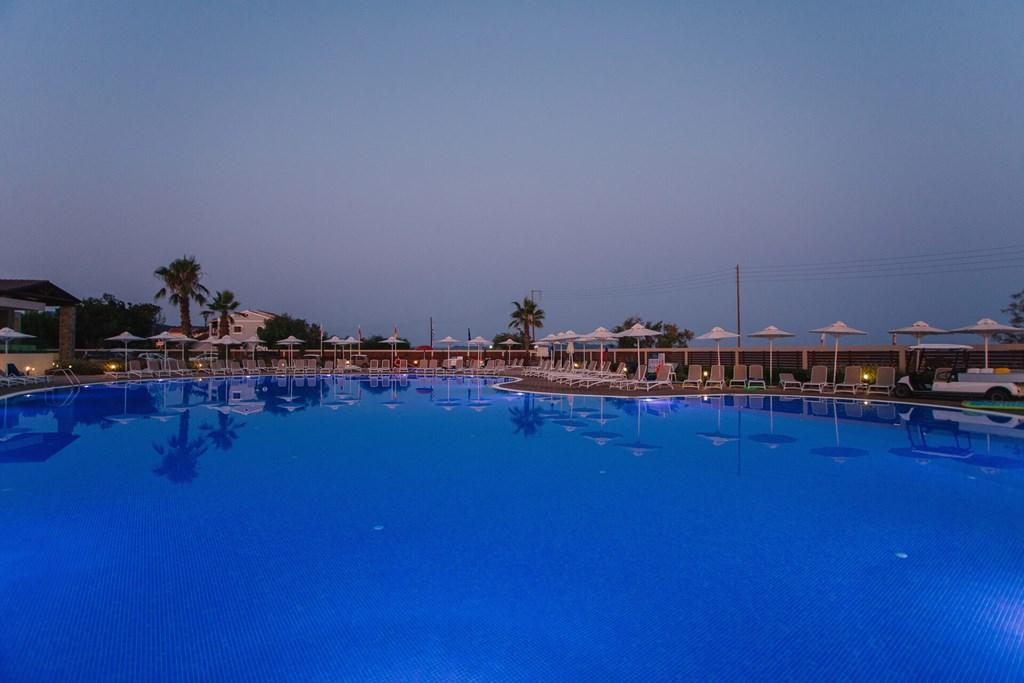 Almyros Beach Resort & Spa - 16